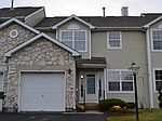 2261 Orchard Hill Cir, Warrington, PA
