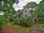 122 Narrow Ln, Charlestown, RI