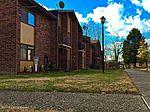 7068 Wildwood Cir, Louisville, KY