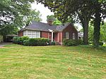 497 E Swan Ridge Cir, Memphis, TN