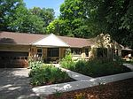 4955 S 78th St, Greenfield, WI