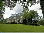 430 Foxcroft Dr, Warminster, PA