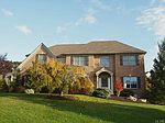 1560 Whispering Woods Cir, Allentown, PA