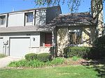 505 Conner Creek Dr, Fishers, IN