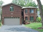 4822 Pershing Ave, Downers Grove, IL