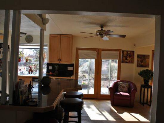 218 Las Mananitas St, Santa Fe, NM 87501