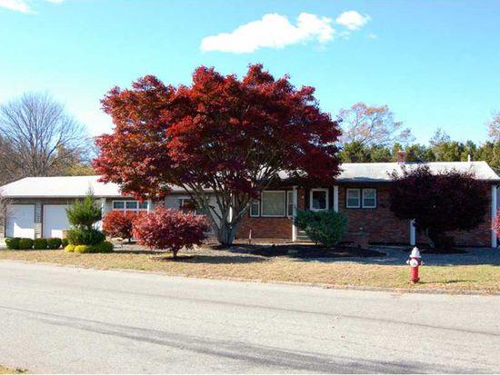 3 Lachance Ave, Warwick, RI 02889