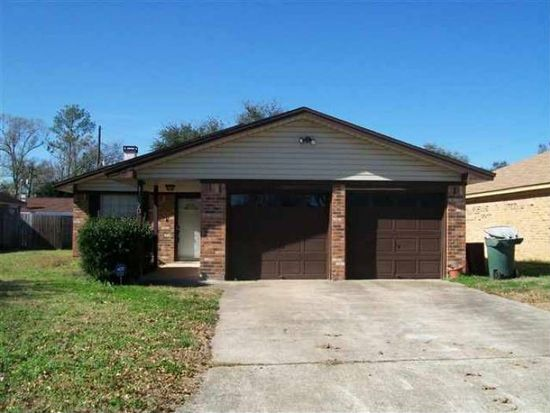 1670 Shirley Cir, Beaumont, TX 77707