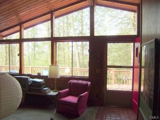 4 Old Forest Rd, Sherman, CT 06784