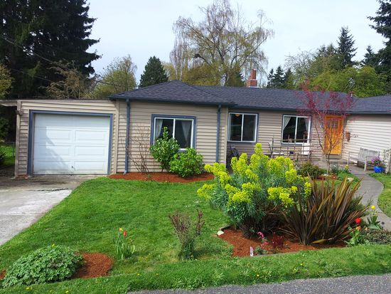 8825 Densmore Ave N, Seattle, WA 98103