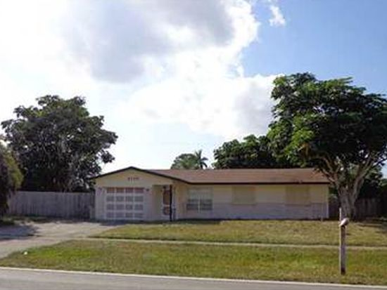 3113 Pinehurst Dr, Lake Worth, FL 33467