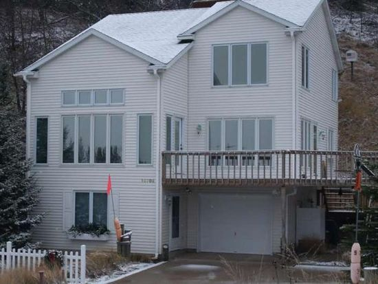10708 Lost Valley Rd, Montague, MI 49437
