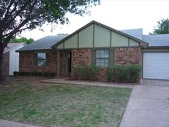 3709 Seven Gables St, Fort Worth, TX 76133