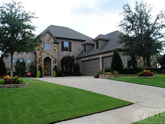 13736 Old Oaks Dr, Burleson, TX 76028