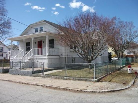 286 Newbury St, Fall River, MA 02720