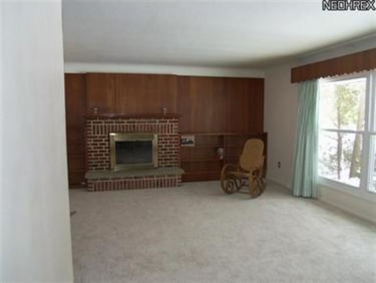237 Coventry Dr, Painesville, OH 44077