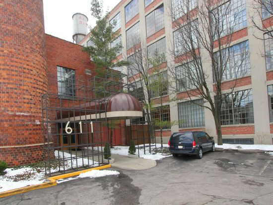 611 N Park Ave APT 303, Indianapolis, IN 46204