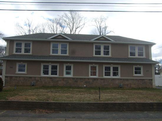29 Caruth Ave, Elmwood Park, NJ 07407