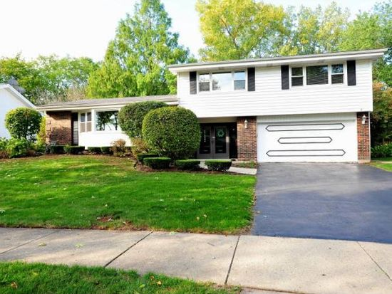 1826 Smith Rd, Northbrook, IL 60062