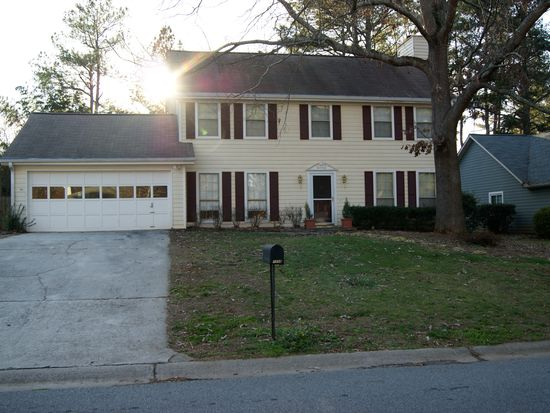 1058 Pointer Rdg, Tucker, GA 30084