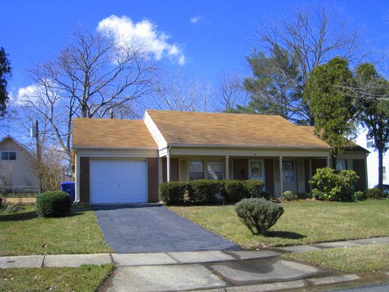 19 Garner Ln, Willingboro, NJ 08046