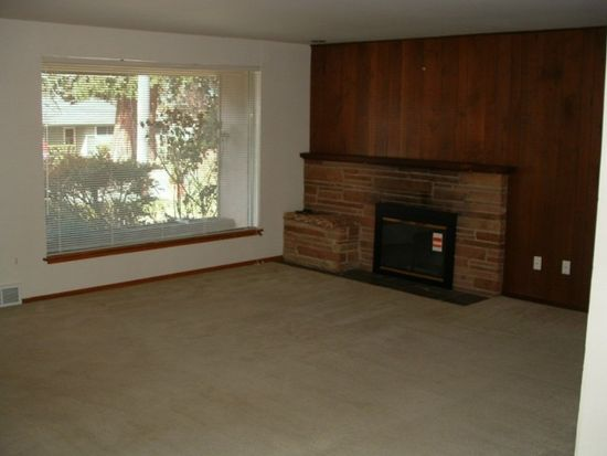 19538 Burke Ave N, Shoreline, WA 98133