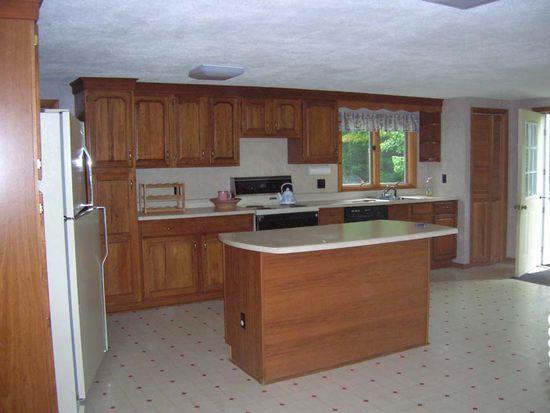 156 Salem Rd, Kingfield, ME 04947