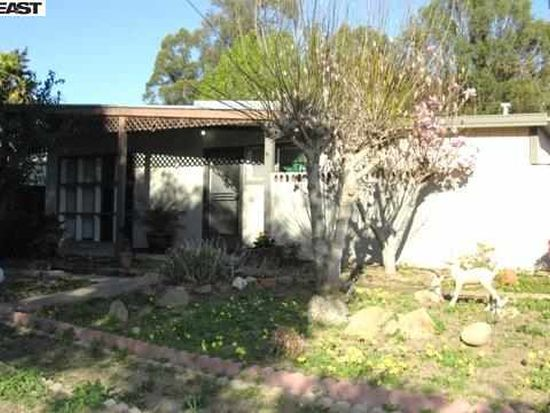 865 Old Canyon Rd, Fremont, CA 94536