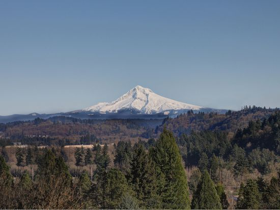 17276 Parkers Dr, Gladstone, OR 97027