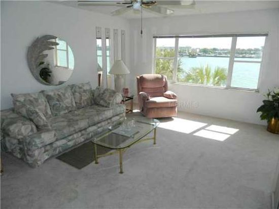 4775 Cove Cir APT 307, Saint Petersburg, FL 33708