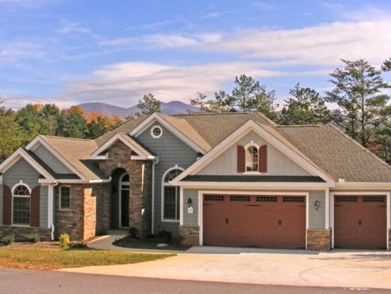 17 Fairway View Dr, Weaverville, NC 28787