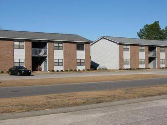 5959 Notblake St, Hope Mills, NC 28348
