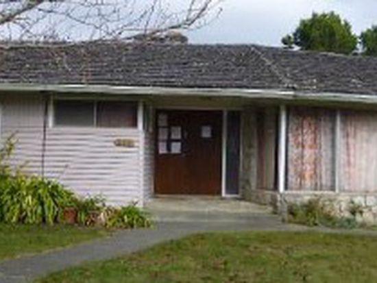 370 Vipond Dr, Crescent City, CA 95531