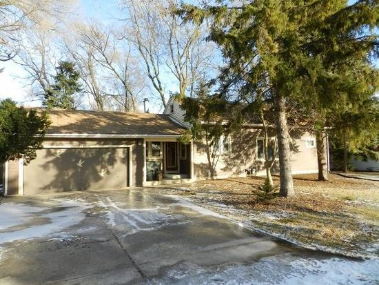 4442 S 48th St, Greenfield, WI 53220