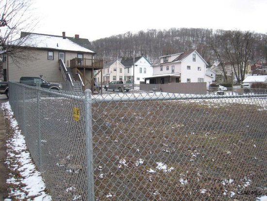 275 Ohio St, Johnstown, PA 15902