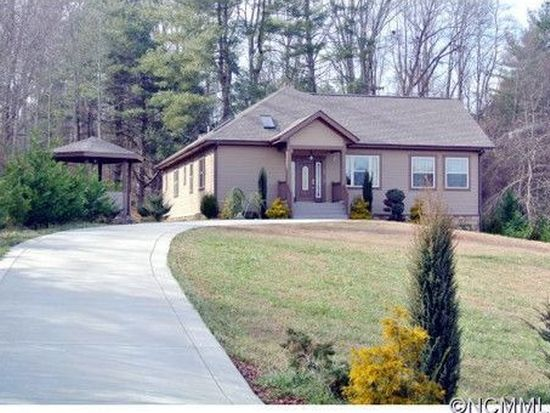 130 S Willow Brook Dr, Asheville, NC 28806