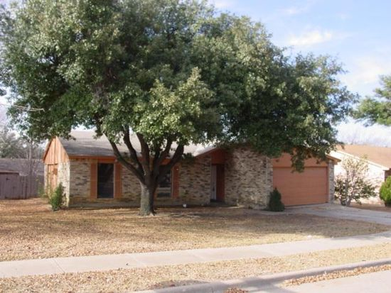 622 S Willow St, Mansfield, TX 76063