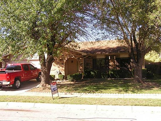 3400 Forest Creek Dr, Fort Worth, TX 76123