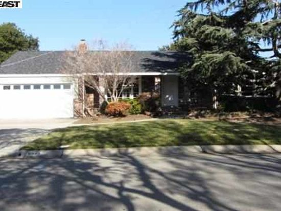 3332 Badding Rd, Castro Valley, CA 94546