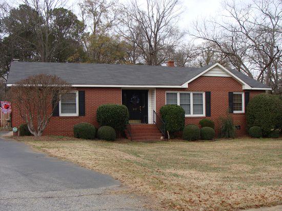 212 Ridgeland Dr, Sandersville, GA 31082
