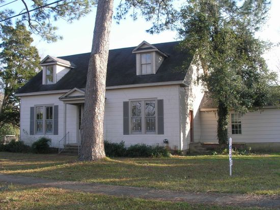402 Fulgham Ave, Crystal Springs, MS 39059