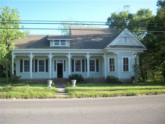 3706 Bellview St, Moss Point, MS 39563