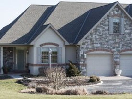 181 N Tanglewood Dr, Quarryville, PA 17566