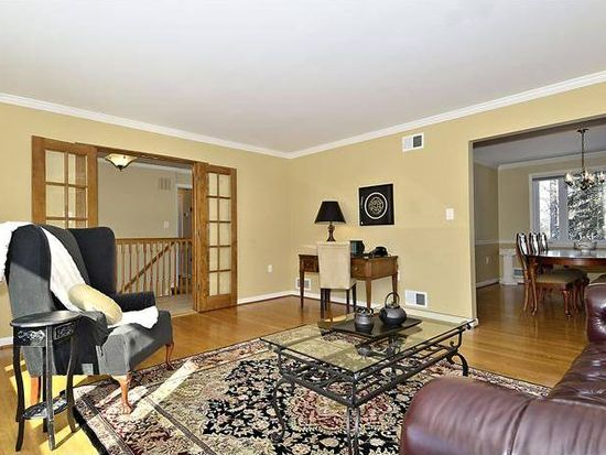 6414 Old Chesterbrook Rd, Mclean, VA 22101