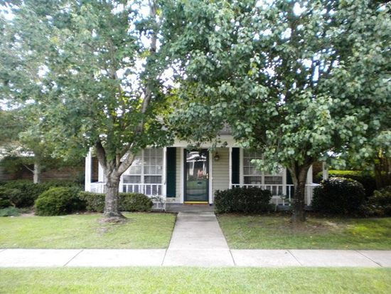 16 Cottage Dr, Fairhope, AL 36532