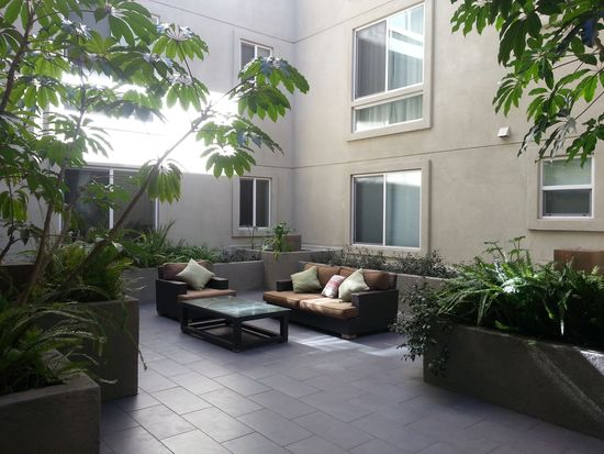 4644 Coldwater Canyon Ave # 105, Studio City, CA 91604