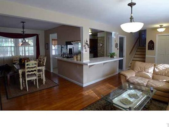 1186 Fairlane Rd, Cary, NC 27511