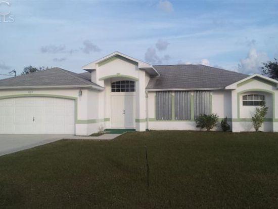 837 Sea Urchin Cir, Fort Myers, FL 33913