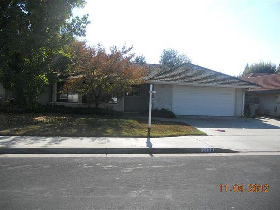 2438 Dennis Ave, Clovis, CA 93611
