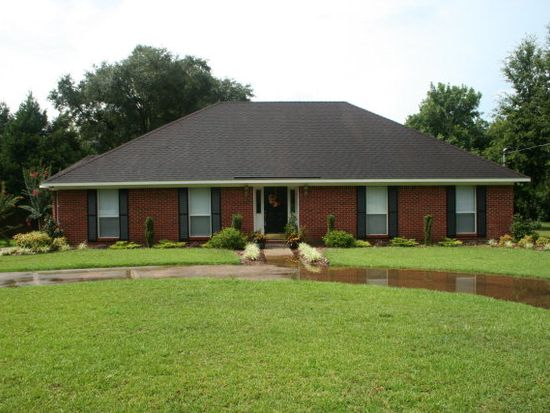 9065 Holly Point Dr S, Mobile, AL 36619
